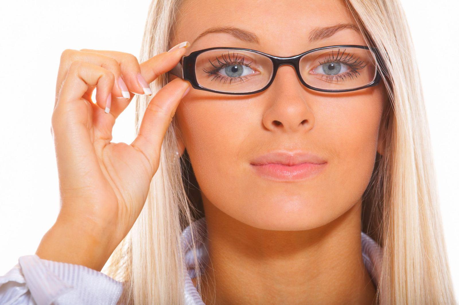 Женщина в очках 13 фотография